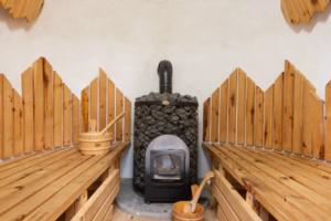 vista-interna-della-sauna-a-sauris_o